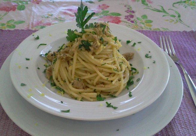 656x455_spaghete-cu-ton-si-lamaie-222448