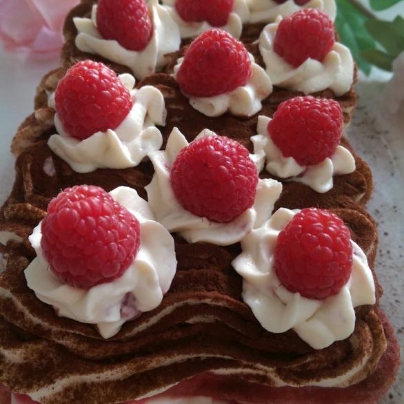 Prăjitură cu zmeură
