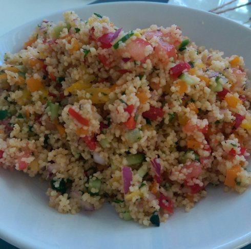 Salata de cous cous cu sos de rodii