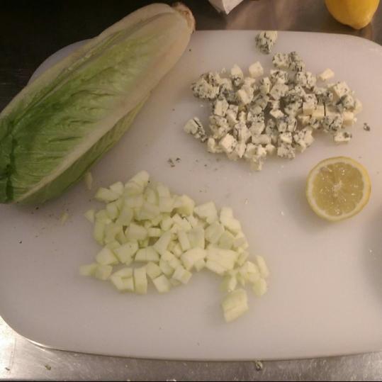 Salată verde cu sparanghel