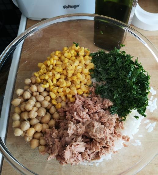 Salată de orez cu năut