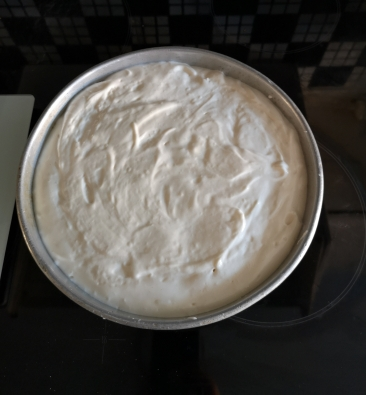 Tort de vanilie cu frișcă și ananas (gluten free)