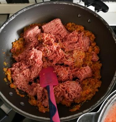 Musaca din piure de cartofi și carne tocata